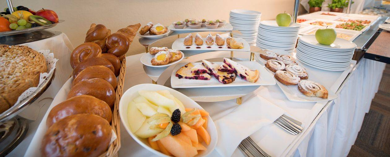 Find The Right Balance Between Organising A Conference And Welcoming Your Guests