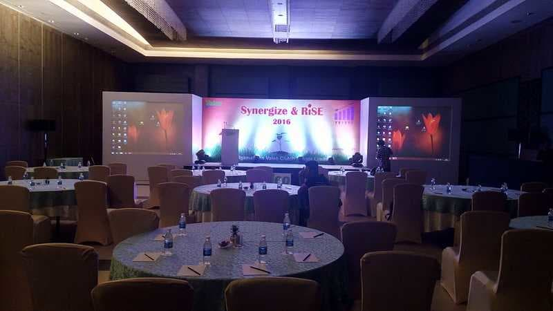 Stage decorated for corporated event by kiyoh event planner