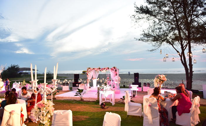 Not Limited To Seasonal Flowers And Lights Any Event Planner Has A Good  Chance To Plan An Event Outdoors From A Wedding Reception To A Birthday  Party